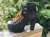 jeffrey campbell everest