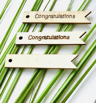 "Trä Tag ""Congratulations"" 63x12,5mm 1st"